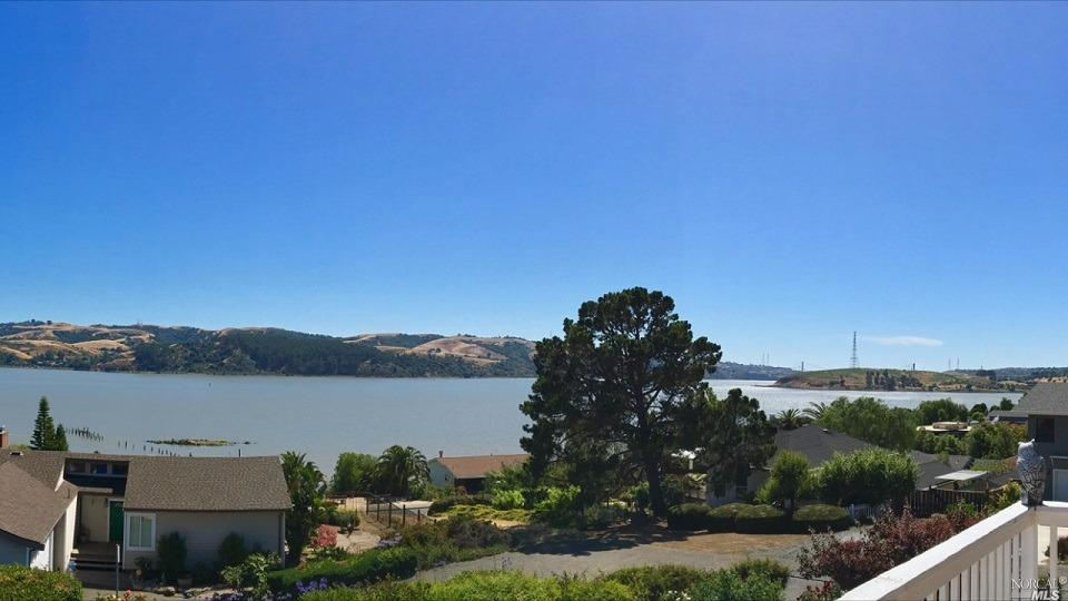 1090 West L street Benicia, CA 94510 - MLS #: 21713702
